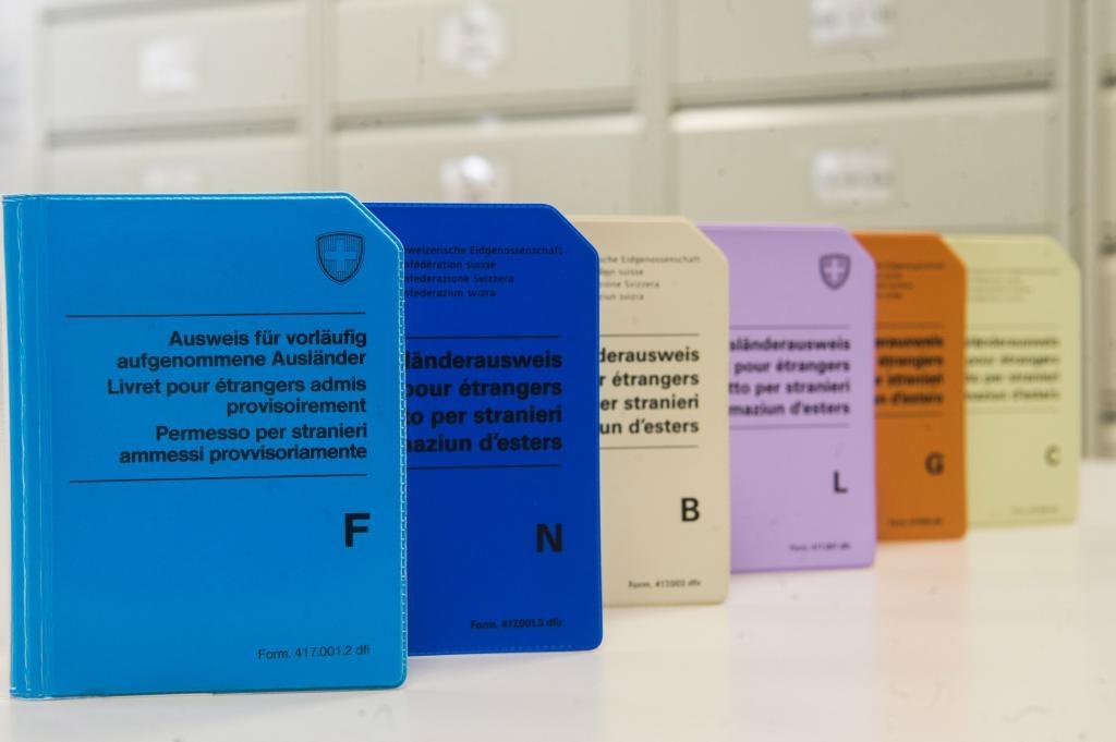 Ufficio Stranieri A Lugano : Laregione permessi per frontalieri e di dimora: più controlli