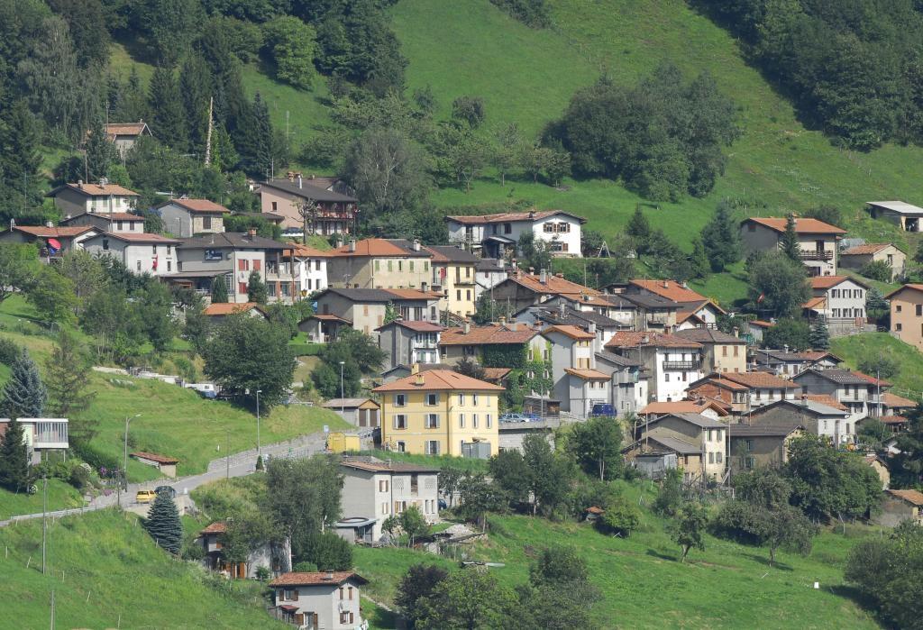 Laregione il municipio di lugano propone la vendita dell for Casa comunale