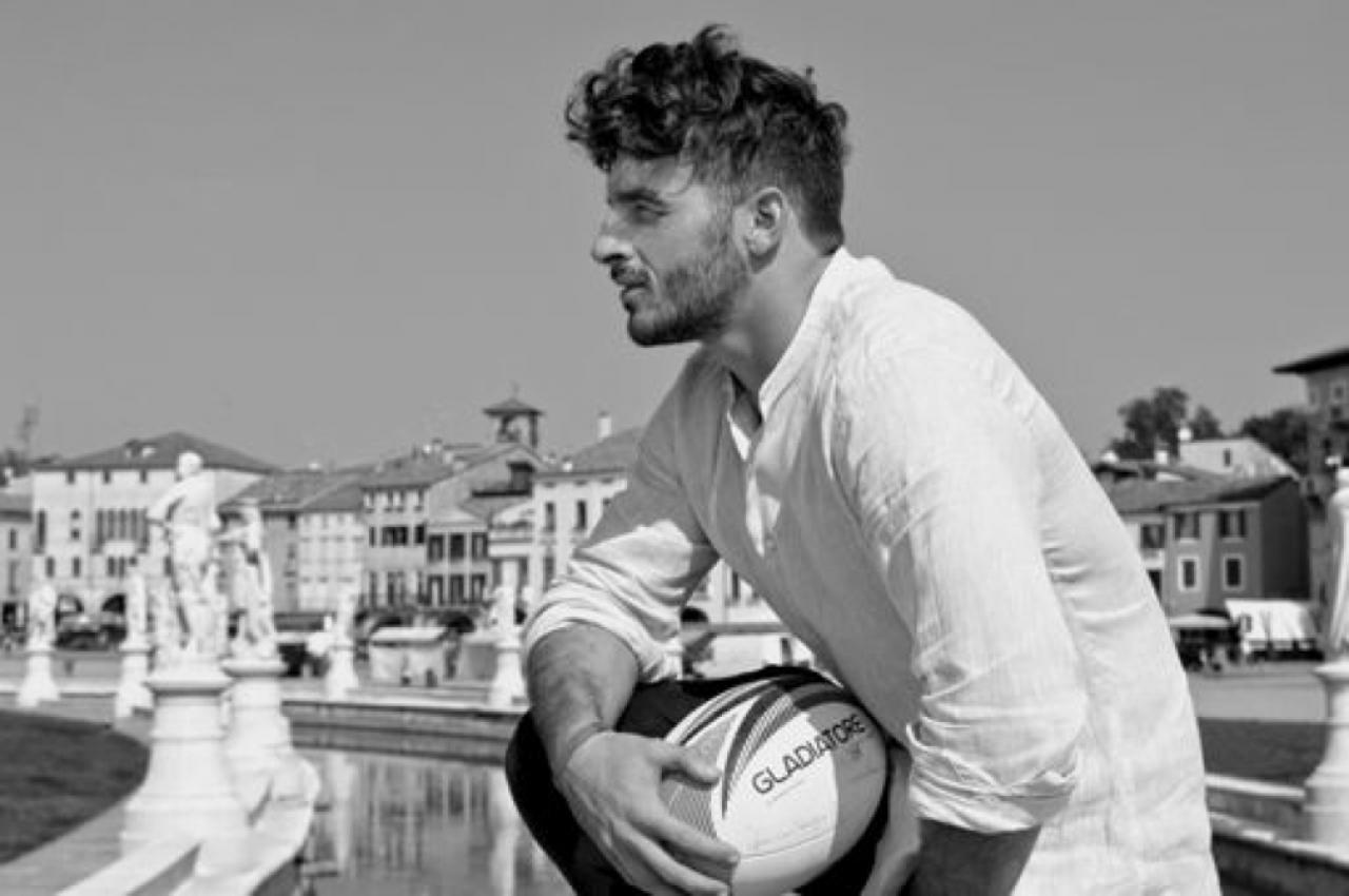 Calendario Rugbisti Italiani.Rugbisti In Posa Per Beneficenza Laregione