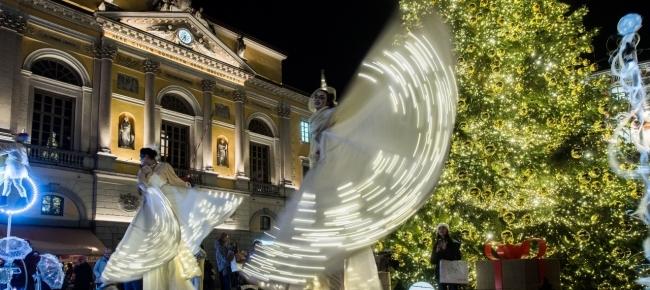 Lugano Natale.Il Natale In Piazza A Lugano Fa Scintille Laregione