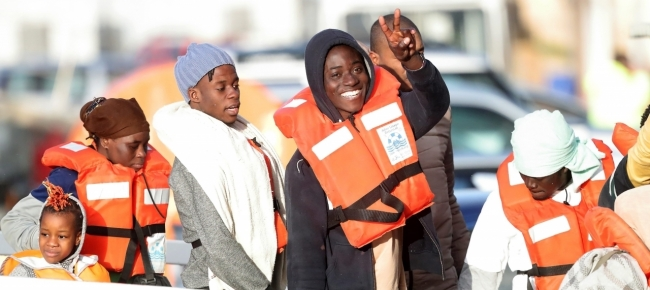 https://media.laregione.ch/files/domains/laregione.ch/images/4bsd/l_-sbarcati-a-malta-i-49-migranti-di-sea-watch-e-sea-eye-fjmj.jpg