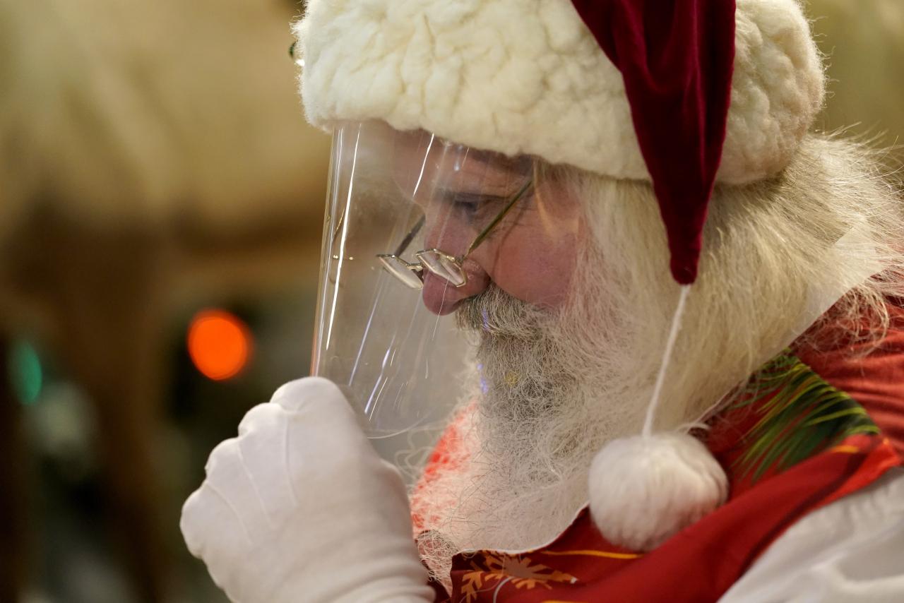 Babbo Natale Uomo Bello.Pronti A Vaccinare Pure Babbo Natale Laregione